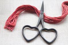 "embroidery scissors : Love Scissors 3-3/4"" knitting sewing crochet cross stitch primitive heart Kelmscott"