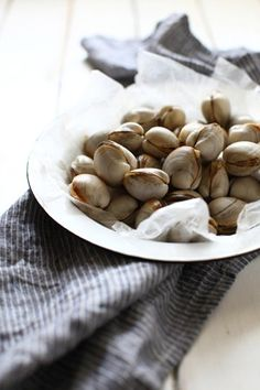 Up your copper intake with clams, sunflower seeds and beans to enhance joint strength - Runner's World