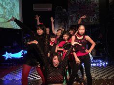 "【JAZZ HIPHOP DANCE】 FRIDAY 18:50-20:20 "" Tune in DANCE STUDIO"" http://www.tunein-creative.com/sio/ アップテンポ・スローなどあらゆる選曲で、 キレのある動きをより大きく、力強く踊れるように。 ダンスに必要な動き、技術、表現のレベルアップを重点的に学べます。"