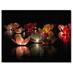 fleurs de lotus bougies flottante sur l'eau http://www.fetesparties.com/84-149-thickbox/fleur-de-lotus-flottante.jpg