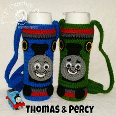Thomas and his friends Crochet thomas and percy bottle holder Crochet Bebe, Crochet Toys, Yeti Bag, Thomas And His Friends, Sewing Case, Quick Crafts, Bottle Cover, Crochet Kitchen, Coffee Cozy