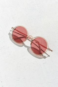 b2c512c323 Slide View  5  UO Retro Leon Round Sunglasses Round Sunglasses