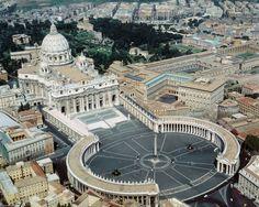 Artikel over: De Sint Pieter kerk in Rome. Hoe is de Sint Pieter kerk ontstaan? Wie hebben de Sint Pieter kerk gebouwd? Welke kunstwerken vind je in de Sint Pieter kerk. Dit en meer vind je terug in dit artikel.