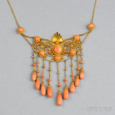 Antique Gold and Coral Necklace Victorian Jewelry, Antique Jewelry, Vintage Jewelry, Fantasy Jewelry, Jewelry Art, Jewellery, Necklace Box, Necklaces, Cushion Cut Diamonds