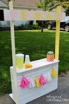 Lemonade Stand, DIY, Tassels, Craft, Gum balls, Lemons