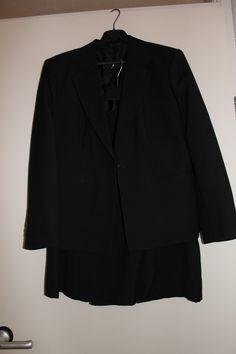 Mantelpakje met rok antraciet licht accentstreepje, maat 40