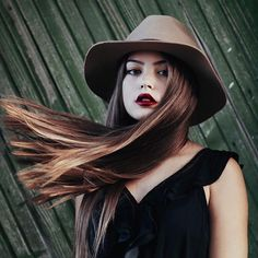 Kristina Krayt, Selfies, Girls Tumbler, Female Character Inspiration, Wild Hair, Pretty Eyes, Girl Poses, Interesting Faces, Girl With Hat