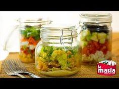 ¿Buscas #recetas para llevar a la oficina, comer fuera...? Estas #ensaladas te van a conquistar. Te explicamos cada #receta en nuestro blog #jarsalad
