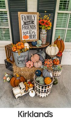 Don't let your yard be bare this fall. Kirkland's outdoor fall decor and fall yard decorations that will make your outdoor space look great all autumn long. Fall Yard Decor, Fall Home Decor, Harvest Decorations, Yard Decorations, Porche D'halloween, Imagenes Mary Kay, Halloween Porch, Fall Halloween, Porch Decorating