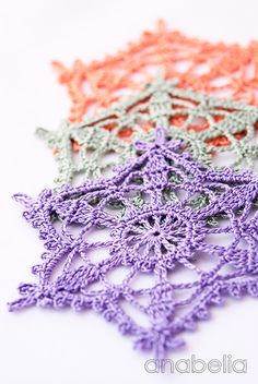 Shabby-chic crochet star ornaments by Anabelia- with link for charted/ written pattern