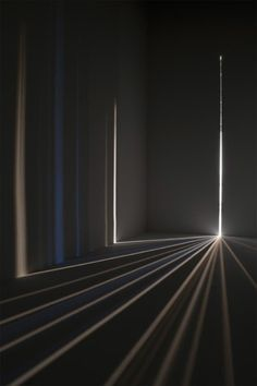 """staceythinx: """" Chris Fraser creates dazzling light installations by turning a dark enclosed room into variation on a camera obscura. A precursor to the camera, the camera obscura is """"a box or room. Camera Obscura, Light Luz, Light Rays, Art Minimaliste, Instalation Art, Light And Space, Light And Shadow, Lighting Design, Luxury Lighting"""
