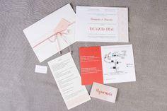 Deixe o seu casamento com a sua cara desde a papelaria até os agradecimentos. Conheça nossos modelos de convites e papelaria modernos e originais.