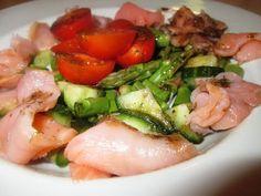 En verden af smag!: Aspargessalat med Røget Laks