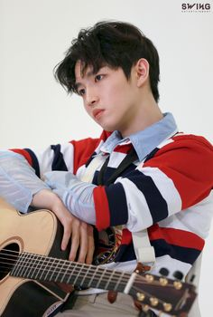 My favourite guitarist ever💖💖 Jaehwan Wanna One, Ong Seongwoo, Lee Daehwi, My Destiny, Kim Jaehwan, Ha Sungwoon, Fans Cafe, Korean Artist