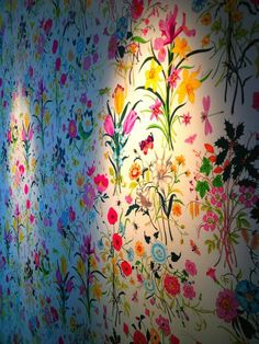 Gucci's iconic Flora scarf (originally designed for Grace Kelly) recreated as wallpaper for Cole & Son