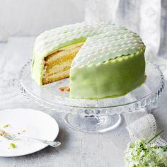 No Bake Desserts, Vegan Desserts, Finnish Recipes, Wedding Mint Green, Pear Cake, Desert Recipes, Confectionery, Healthy Treats, Vanilla Cake
