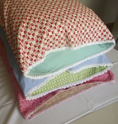 Crochet Edging on Pillowcase (in 2 part tutorial) & DIY Mixed-Fabric Fancy Pillowcase w/ Ribbon Tie Closures | Why Don ... pillowsntoast.com