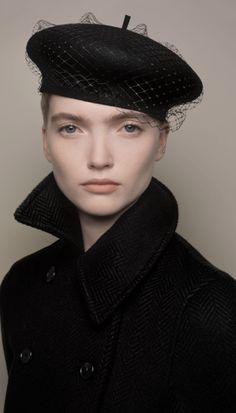 Christian Louboutin OFF!>> Christian Dior Pre-Fall 2020 Fashion Show - Vogue Dior Fashion, Fashion Week, Couture Fashion, Dior Couture, Vogue Fashion, 1950s Fashion, Dress Fashion, Runway Fashion, Vintage Fashion