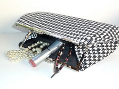 Framed Clutch Purse in Black White Houndstooth by nangatesdesigns