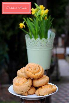 Isteni rukkolás-sajtos csigák - Diéták & Álmok Cheddar, Breakfast, Food, Morning Coffee, Cheddar Cheese, Essen, Meals, Yemek, Eten
