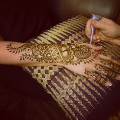 Gorgeous design by Wendy Rover of Roving Horse Henna Body Art http://www.rovinghorse.com