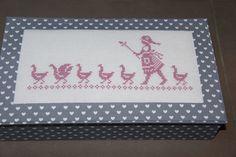 Boîte recouverte de tissu 100% home made www.lesdixbox.be