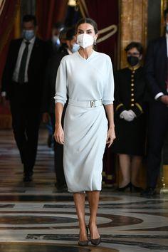 Spanish Royalty, Spanish Royal Family, Queen Letizia, Royal Fashion, Dream Dress, White Dress, High Neck Dress, Spain, Portrait