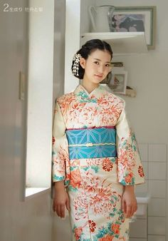 #Unbleached. Chrysanthemum and peony #Contemporary kimono.  Japan