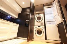 Stacked Washer Dryer, Washer And Dryer, Apartment Design, Washing Machine, Interior Architecture, Laundry, Home Appliances, Kitchen Ideas, Madrid
