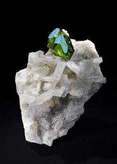 Titanite on Albite - Tormiq valley, Haramosh Mts., Skardu District, Baltistan, Northern Areas, Pakistan Size: 4.8 x 3.7 x 1.5 cm