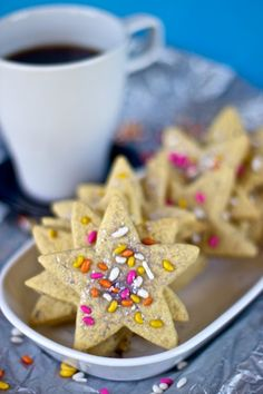 fennel seed stars Really nice recipes. Every hour. Vegan Gluten Free Desserts, Gluten Free Recipes, Vegan Recipes, Vegan Food, Healthy Food, Fudge, 2 Ingredient Cookies, Amazing Cookie Recipes, Strawberry Pop Tart