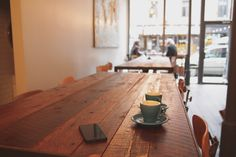 Do you work out of a cafe or coffee shop? This is my insight to cafe etiquette that will make baristas welcome you with a friendly smile rather than a scowl