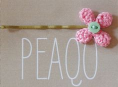 Babette Crocheted Flower Bobby Pin Kirby Grip small size by peaqo Crochet Hair Clips, Crochet Hair Styles, Yarn Projects, Crochet Projects, Crochet Hair Accessories, Crochet Flowers, Bobby Pins, Trending Outfits, Create