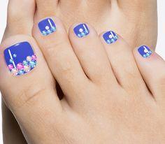 rhinestones blue toenail art