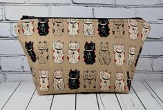 Lucky Cat, Maneki Neko Makeup Bag. A symbol of luck and prosperity! Great size for holding makeup, small knitting projects etc.