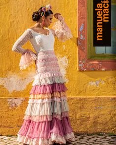 Colección 2019 Manuela Macías Moda Flamenca Flamenco Skirt, Flamenco Dancers, Flamenco Dresses, Skirt Fashion, Fashion Dresses, Costumes Around The World, Spanish Fashion, Classic Style, My Style
