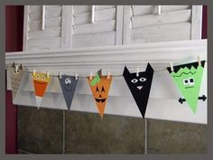 Decorations Cool And Easy Halloween Kids Crafts Homemade Halloween Decoration Concepts For The Home Diy Halloween Decorations Display Diy Halloween Crafts For Kids Cute Halloween Decorations For Children Diy Deco Halloween, Diy Halloween Garland, Theme Halloween, Easy Halloween Crafts, Diy Halloween Decorations, Holidays Halloween, Halloween Kids, Holiday Crafts, Holiday Fun