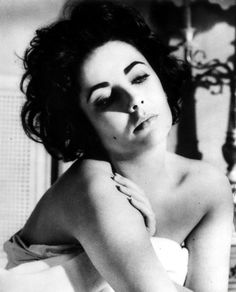 1932 – Elizabeth Taylor, English-American actress (d. 2011) | Actress Elizabeth Taylor (1932-2011), date unknown.