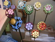Faucet Handle Flowers - Cute Garden Art ~ I want a bouquet by my hose :0)