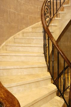 Marble staircase in Travertino marble