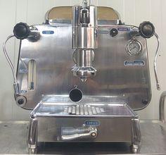 Wilt u een echte vintage espresso machine of molen kopen? Faema, Gaggia, La Pavoni, La Marzocco, QuickMill, San Marco, La Minerva, La Cimbali, Rancilio, Carimali, Bezzera, Brugnetti, La Dio, Astoria, Olympia, Eterna, Tortorelli, Aurora. - Vintage Espresso Machines