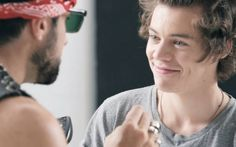 Harry Styles, Louis Tomlinson Latest News: One Direction's 'Larry Stylinson'…