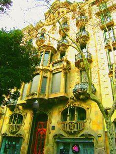 Otras realizaciones / Arquitectura / Casa Comalat par Salvador Valeri 1911..