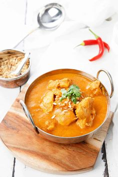 Ghanaian Peanut Stew or Satay Chicken Curry - is an authentic African dish which combines curry spices and a peanut satay. The result is a rich, chicken satay style curry, perfect for a winters night. #Thermomix #Masterchef #chickencurry #curry