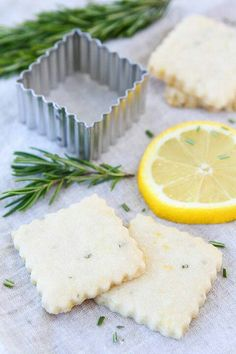 Lemon/rosemary shortbread
