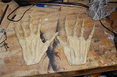Johnnys Ghosts: hands, head and forms Diy Halloween Decorations, Halloween Crafts, Halloween Stuff, Halloween Ideas, Pirate Hook, Monster Hands, Homemade Halloween, Halloween 2018, Diy Doll