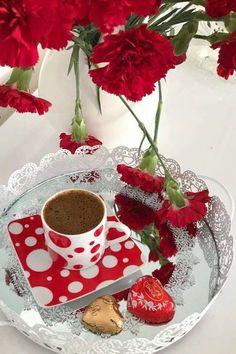 Spiced Coffee, Coffee Milk, Milk Tea, Coffee Cups, Tea Cups, Sweet Coffee, Coffee Love, Coffee Art, Coffee Break