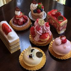 Image about food in yummy by Jazz on We Heart It Beaux Desserts, Cute Desserts, Delicious Desserts, Dessert Recipes, I Love Food, Good Food, Yummy Food, Cafe Food, Aesthetic Food