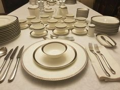 Table Settings, Plates, Tableware, Kitchen, Dinnerware, Licence Plates, Dishes, Cooking, Table Top Decorations