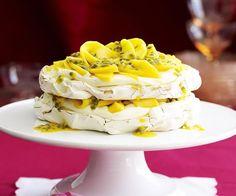 Mango and passionfruit meringue cake Meringue Cake, Sugar Eggs, Bean Paste, Pavlova, Serving Plates, Tray Bakes, Whipped Cream, Food To Make, Mango
